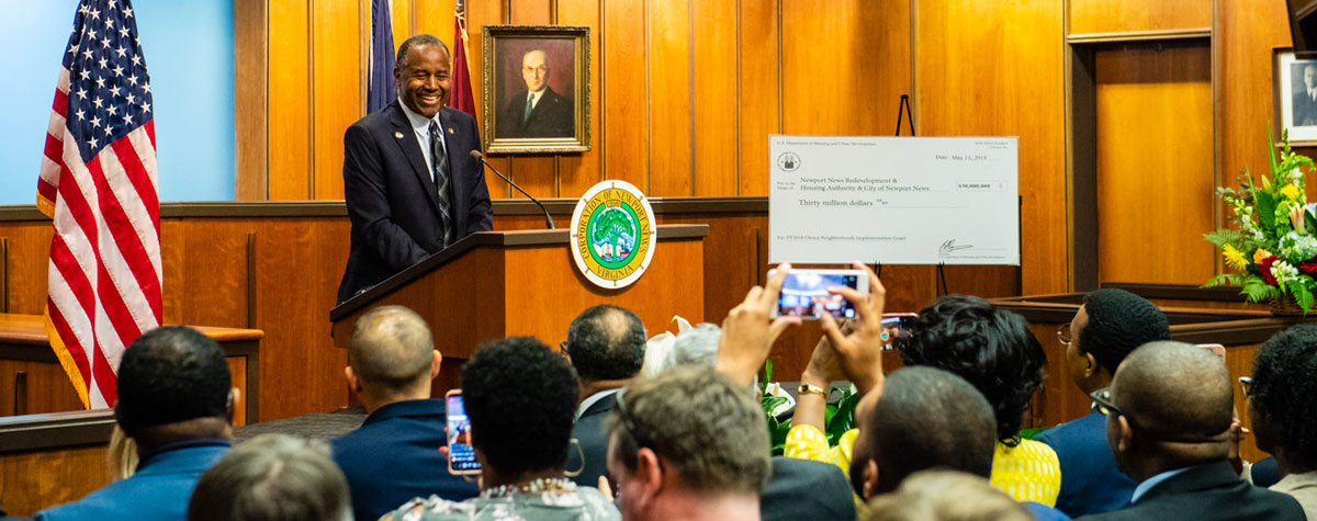 [Secretary Carson announces FY18 Choice Neighborhood Implementation Grants in Newport News, VA]. HUD Photo