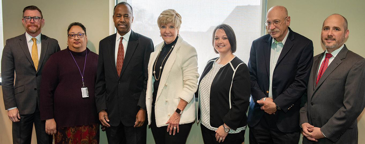 In Fort Worth, he met with Mayor Betsy Price and homeless providers to learn how the city is successfully working to end veteran homelessness.