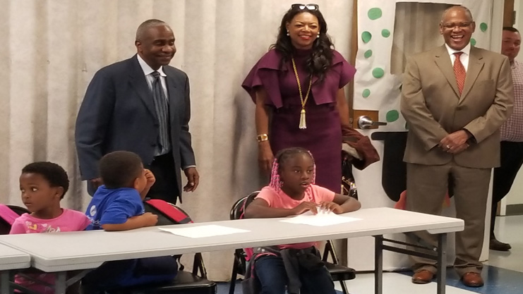 [HUD Southeast Regional Administrator visits youth at Bowling Green Housing Authority Learning Center]