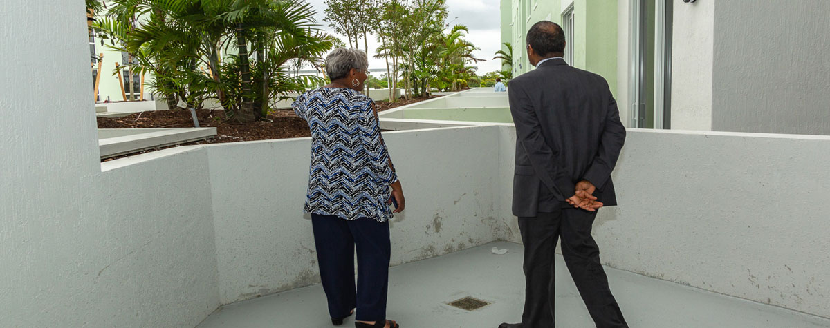 [Secretary Carson visits Tuscany Cove, an affordable housing apartment building for low income seniors that will be ready for occupation during the summer of 2019]. HUD Photo