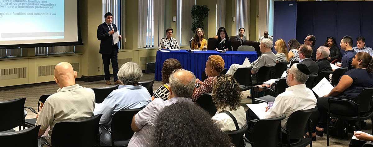 [Property Owners and Building Managers Learn how to Add a Homeless Veteran Preference to their Waiting Lists]. HUD Photo