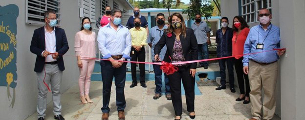 [Suzanne Roig, Administrator of the Puerto Rico Mental Health and Addiction Services Administration and stakeholders during the ribbon-cutting ceremony of the facility in September].
